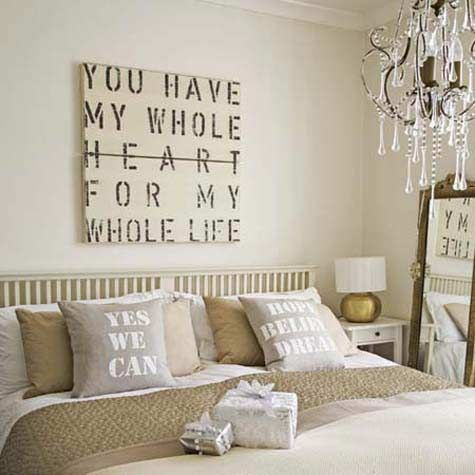 Love this decor.  Words are awesome. :D