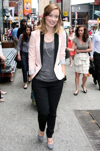 Olivia Wilde wearing a House of Lavande Vintage silver chain today on Good Morning America!: Light Pink Blazers, Celebrity Style, Dresses Inspiration, Bones, Tuxedos Blazers, Black Pants, Olivia Wilde, Black Blazers, Pink Blazers