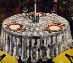 Oregon Modern tablecloth crochet pattern from Bedspreads & Tablecloths, originally published by Coats & Clark, Book No. 301 in 1953.