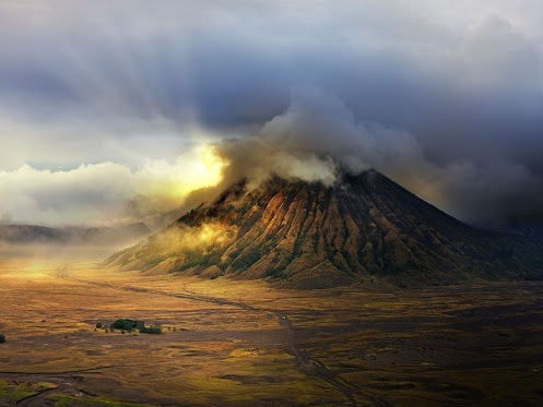 East Java 4 by Suchet Suwanmongkol