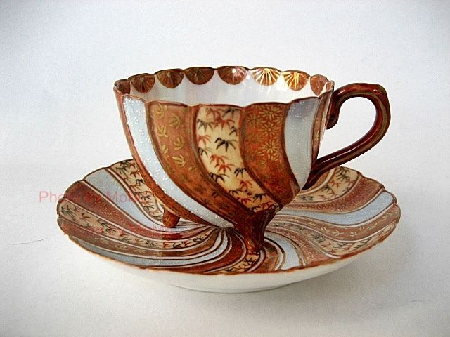 Kaga Kutani - wow, to drink a hot tea in this cup. This is a nice Thanksgiving Day cup -- all the right colors! :)