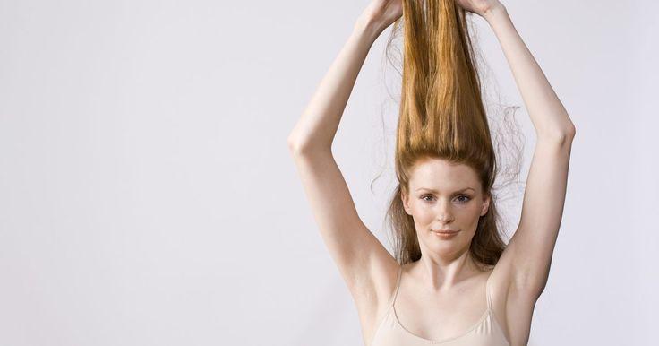 Como colar apliques de cabelo. Extensões de cabelo são geralmente chamados de apliques de cabelo. Há vários estilos deles e vários métodos para aplicá-los. Uma maneira fácil e comum de alongar o cabelo é com o aplique com costura, no qual a costura do aplique na parte superior é usada para ligar o cabelo em um comprimento reto. Elas podem ser aplicadas com costura, como já ...