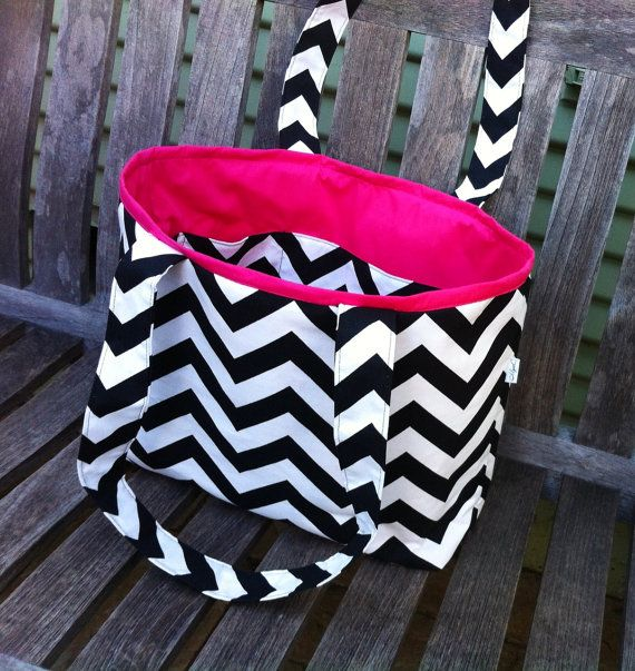 Small Chevron Tote Black and Hot Pink by MyaCdesign on Etsy