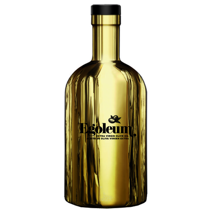 """This metallic-feeling bottle made me think of a word:""""LUXURIOUS""""."""
