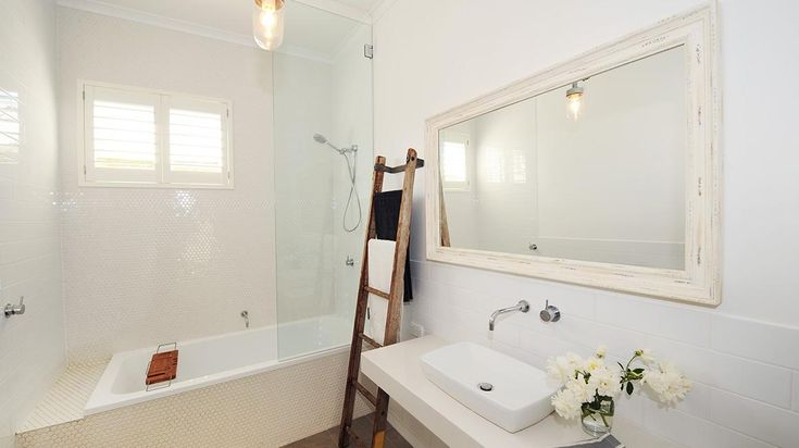 Divine Renovations BATHROOM 2017 Trends #Bathroom #Trends #Traditional #Reece