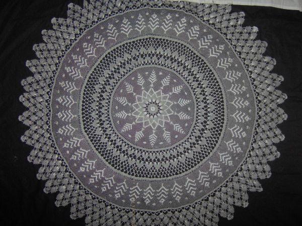 Turkish needle crochet - İğne Oyası Masa Örtüsü