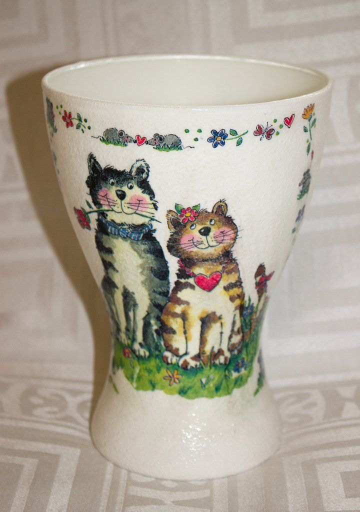 Vase large with cats