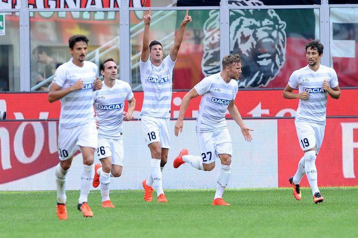Udinense 16. Stipe Perica 18 festeja su gol q le da el gana ante el Mlian