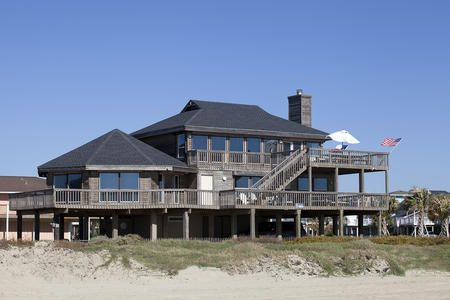 Buccaneer Cottage 5 Bedrooms 3 Baths Sleeps 18 Beachfront Gulf Views Perfect For Large Family Gatherings Sand Galveston Tx Vacation Homes In