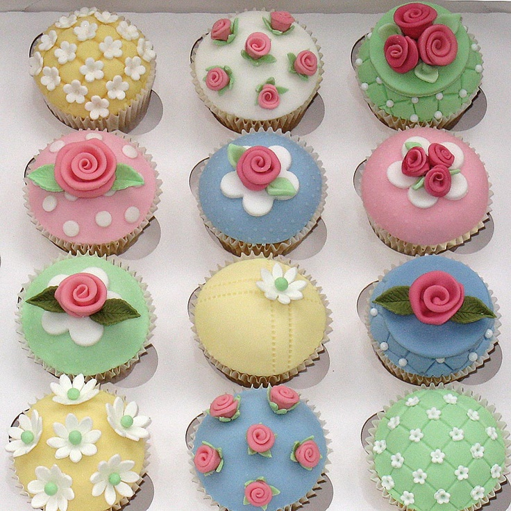 Cake Decorated With Cupcakes : 19 best images about Cupcakes ? ? ? ? ? ? ? ? on Pinterest ...