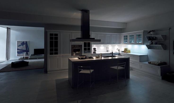 YLENIA è un modello che attraversa il tempo e la storia, collocandosi nello spazio sofisticato della casa di oggi.