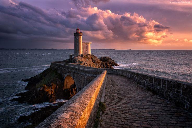 Morze, Latarnia morska, Chmury