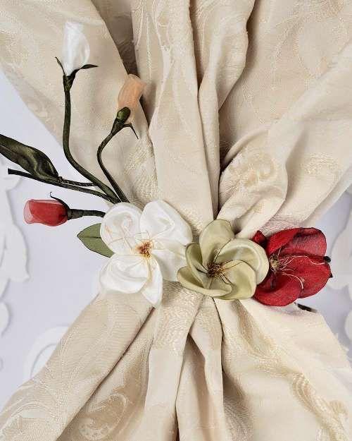 Perdele și draperii la comandă :: Flori decorative pentru perdele si draperii :: Spring :: Accesoriu de prindere ramura 3 flori, alb, bej, rosu