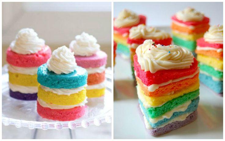 Mini naked cake com cores do arco íris superfofo