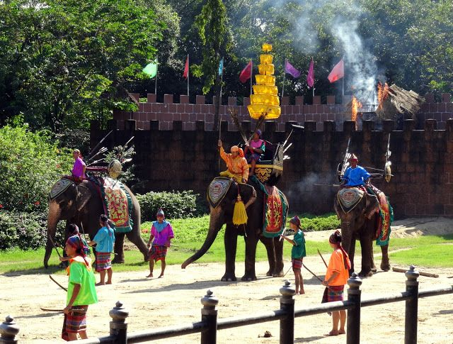 Travel and Lifestyle Diaries Blog: Thailand: Part Two of the Elephant Show – The 'Yutha Hathi' Thai Royal Battle