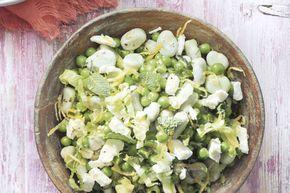 Kijk wat een lekker recept ik heb gevonden op Allerhande! Bonen met andijvie en witte kaasblokjes
