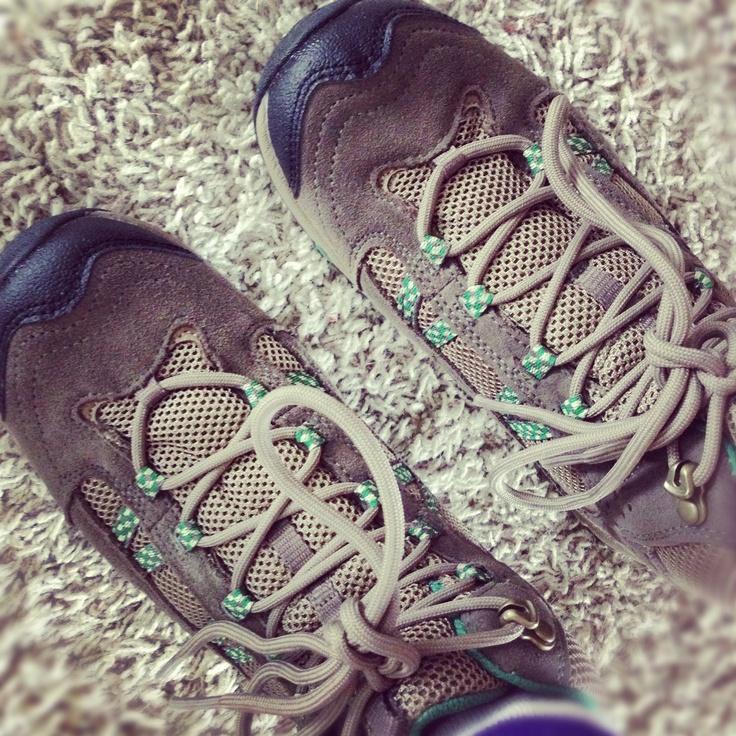 Lightweight trail runner meets hiking boot [Hi Tec Harmony Life]