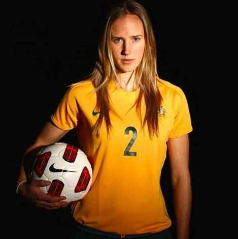 Conoce a Ellyse Perry, una chica de 22 años nacida en Australia, apasionada por el fútbol. #ActitudRealBratz
