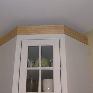 Crown Molding Above Kitchen Cabinets