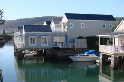 KNYSNA - Thesen Island Holiday Home, 2 bedrooms, luxury accommodation on Thesen Islands in Knysna. Sleeps 4 from R1900 per night.