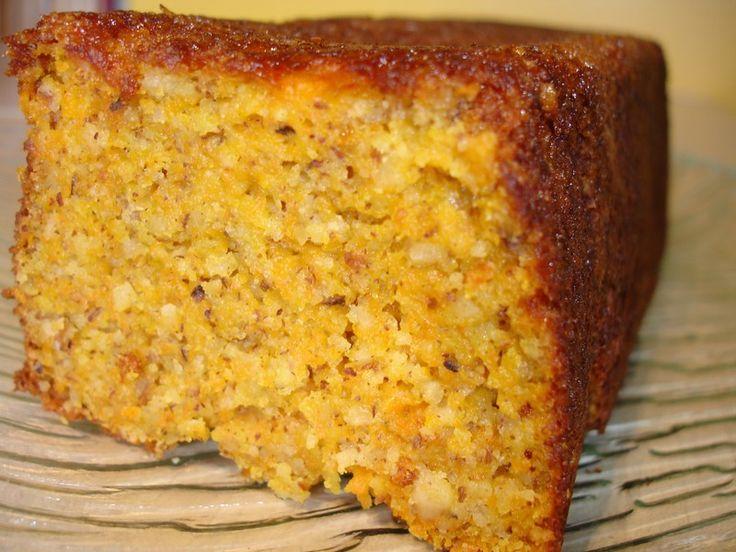 Cake aux carottes. (http://delicesdhelene.over-blog.com/article-16542019.html?utm_source=_ob_share&utm_medium=_ob_pinterest&utm_campaign=_ob_sharebar)
