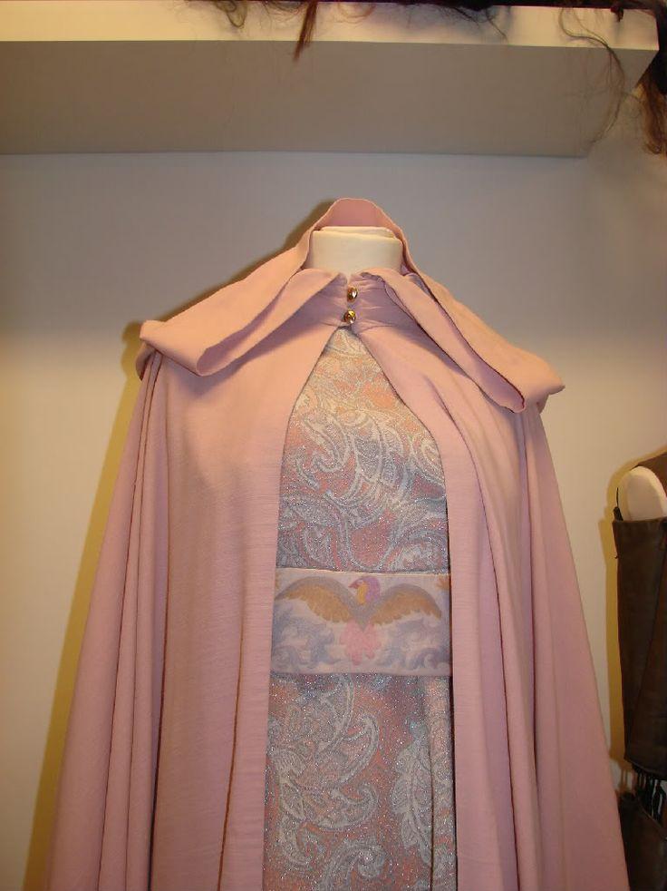 Tři oříšky pro Popelku (Three Hazelnuts for Cinderella, Three Wishes for Cinderella), 1973 - Popelka's ballgown & cape