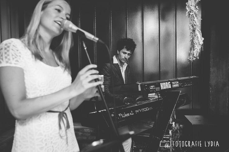 Trouwtrend 2017; luister naar liefde; live muziek tijdens de trouwceremonie