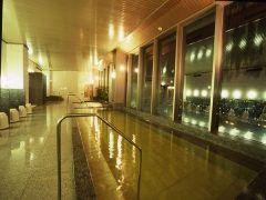 ユニバーサルスタジオジャパンに遊びに行くときにおすすめなホテルがホテル京阪ユニバーサルタワー USJのオフィシャルホテルなんですよ このホテルの階には天然温泉の展望風呂があって大阪の夜景を眺めれるのがおすすめポイント ユニバーサルスタジオジャパンまでは徒歩分だから前の日に泊まれば朝から思いっきり遊べちゃう( カップルでの旅行にもおすすめですよ(o) tags[大阪府]