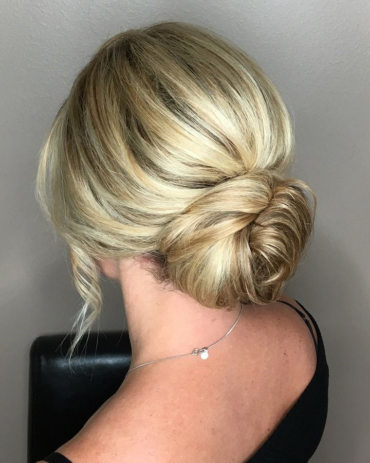 25+ beautiful Low bridal updo ideas on Pinterest | Bridal ...