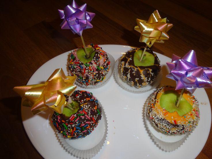 Яблоки в шоколаде украшенные
