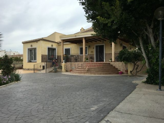 Reduced to 288900€ An opportunity to own a fabulous 3 bed country house with 184m2 living space on a 2300m2 plot with pool yet only a few steps away from the town. Ref: Cat EJ