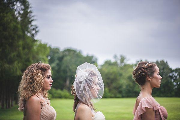 Великолепный Винтажный Пин-Ап Вдохновил Свадебный Стиль | Мэдди К. Дусе Фотография | Увидеть Больше! http://heyweddinglady.com/punk-princess-bride-wedding-styled-shoot-from-maddie-k-doucet-photography/