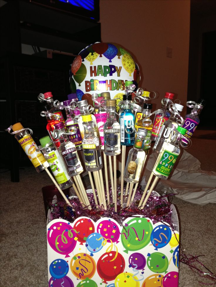 21st Birthday Shot Bouquet- dude, someone get me one! lol