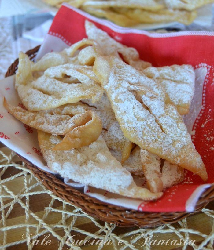 Frappe o chiacchiere ricetta dolci fritti per carnevale