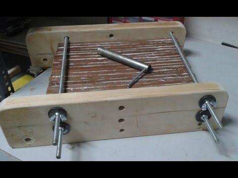 Sargento casero para unir y pegar madera - YouTube