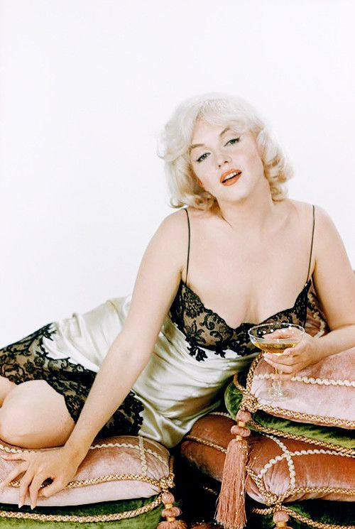 You Won't Be Disappointed With These 26 Hot Pictures Of Marilyn Monroe!