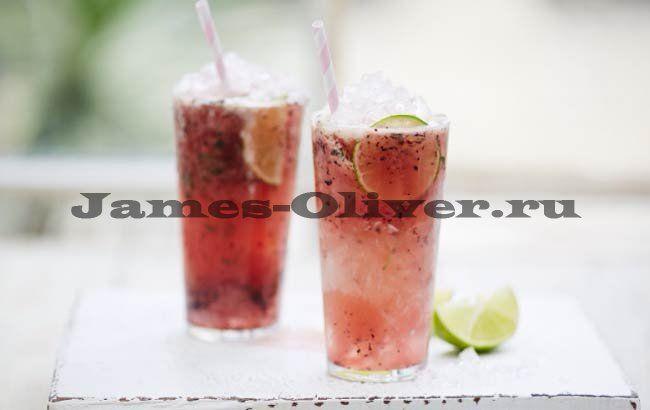 Яблочно-ягодный коктейль с водкой - рецепт Джейми Оливера..... Ингредиенты  100 мл водки 200 мл яблочного сока (свежевыжатый) 100 г черники 3 веточки свежий тимьян 1 лайм 2 хороших горсти кубиков льда