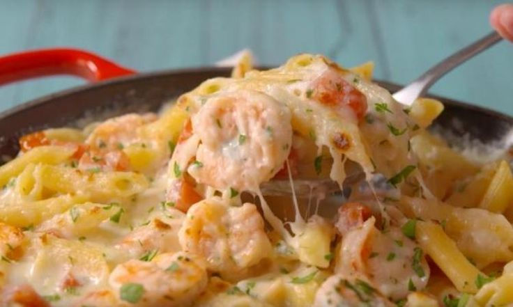 D'une simplicité étonnante... La casserole de pâtes Alfredo aux crevettes
