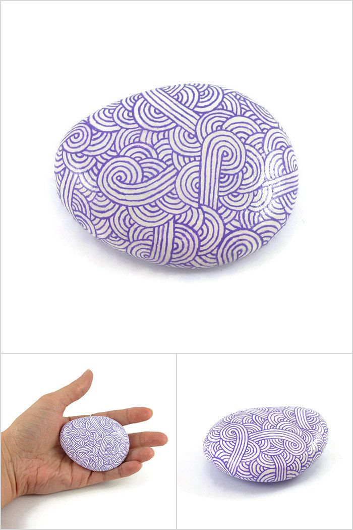 White decorative painted stone with lilac purple zentangle, abstract painted pebble, modern and unique meditative art object, original gift idea - Made by @savousepate on Etsy