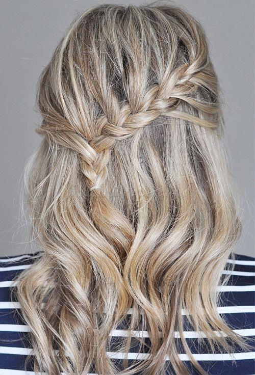fonott+frizurák+-+féloldalas+fonott+frizura