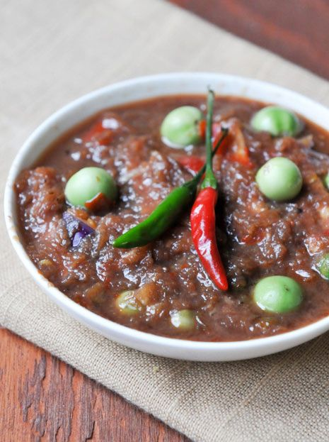 Shrimp Paste Chili Dip | Nam Prik Gapi | น้ำพริกกะปิ. This would be great with Sticky Rice:) yummy!