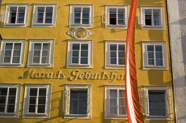 http://inredningsvis.se/travel-inspiration-salzburg-osterrike/  Mozarts Geburtshaus in Salzburg