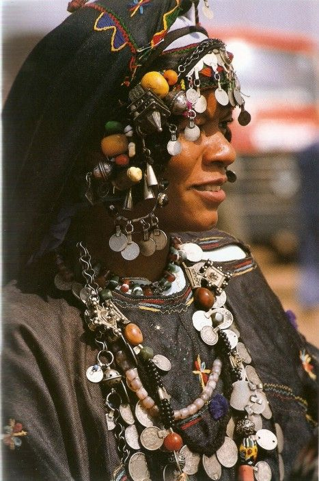 Africa | Berber. Morocco | November 1984. National Geographic : Africa Adorned. | Photographs by Angela Fisher.
