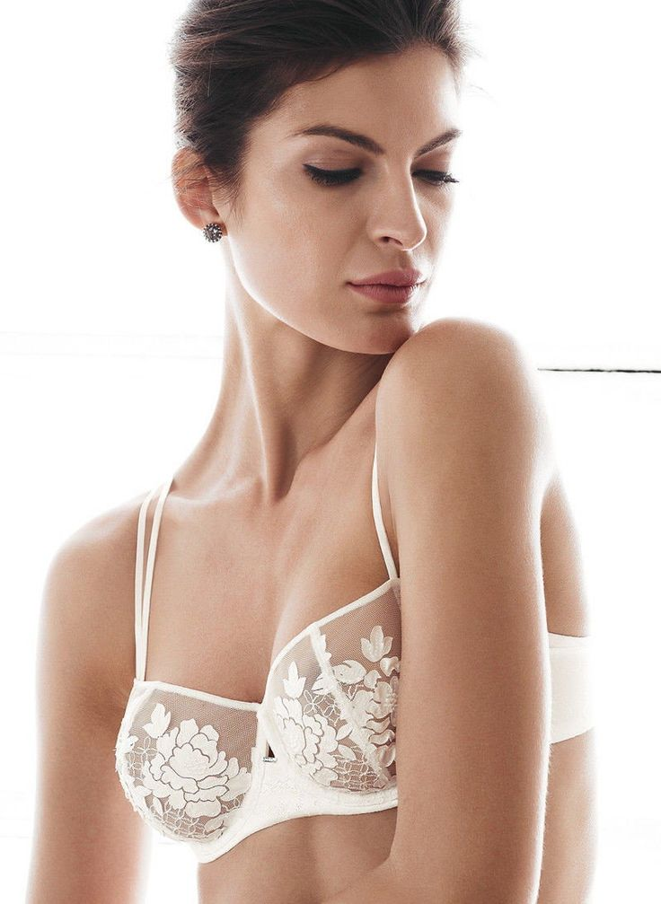 Koronkowa bielizna #triumph #bielizna #koronka #biustonosz #moda #vumag