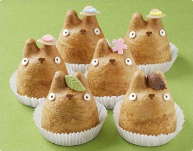 Shiro-Hige's Cream Puff Factory 白髭のシュークリーム工房 is located in Tokyo and makes the so-cute-you-do-not-want-to-eat-them Totoro Cream Puffs