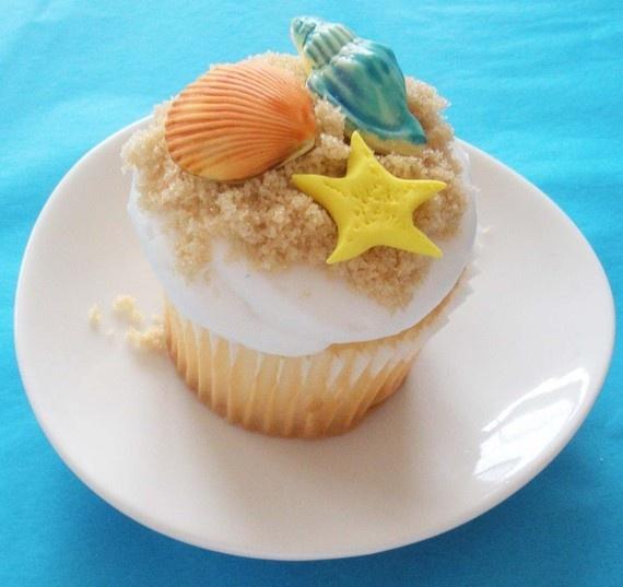 Beach theme cupcake