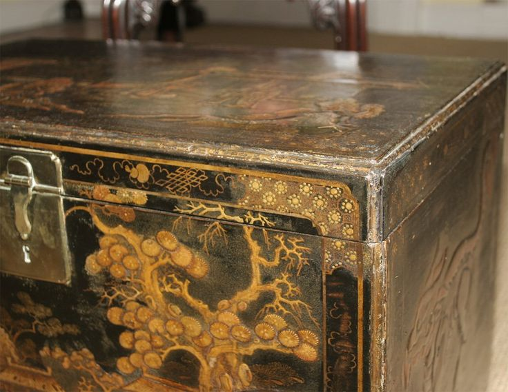Antique Queen Anne period japanned chinoiserie coffer at 1stdibs
