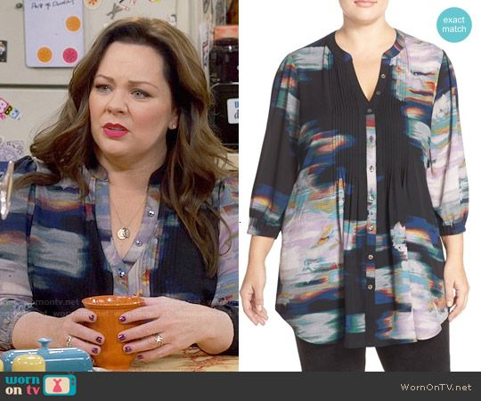 Molly's black abstract print blouse on Mike and Molly.  Outfit Details: https://wornontv.net/57357/ #MikeAndMolly