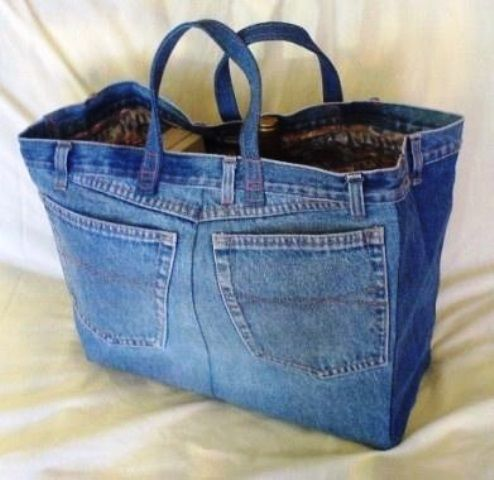 Nice bag made of old jeans / gave tas van oude spijkerbroek