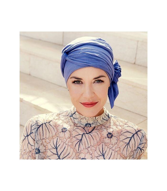 63 € - Turban chimio long violet en coton est un turban très confortable pour les femmes en chimio. Accessoire chute de cheveux, alopécie, pelade.